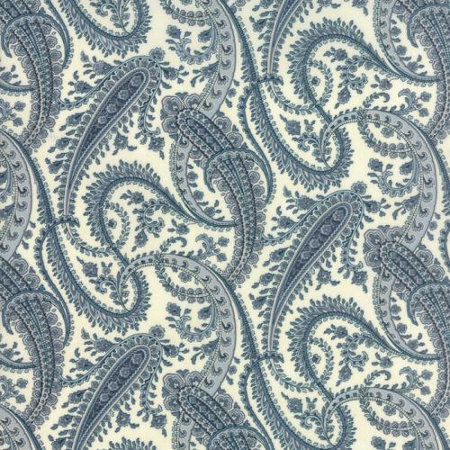 MODA 3 SISTER HOLLY WOODS SNOW AND SKY PAISLEY 44173-21